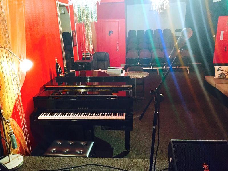 piano.jpg - large